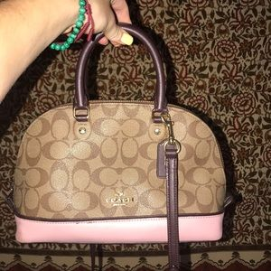 Handbags - Coach shoulder strap purse🌈